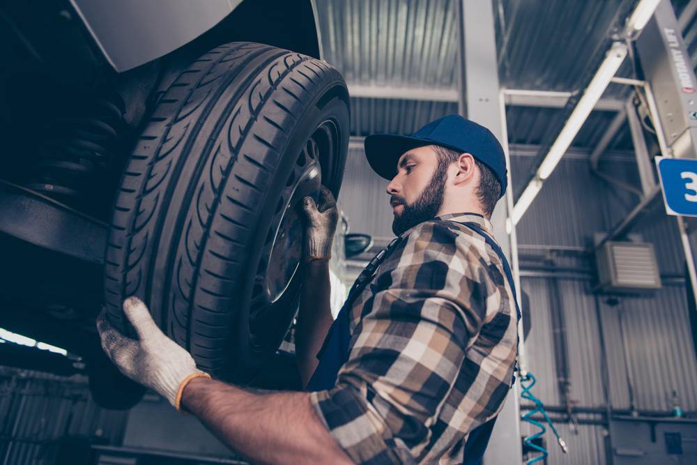 Výmena zimných pneumatík za letné – kedy, ako, prečo